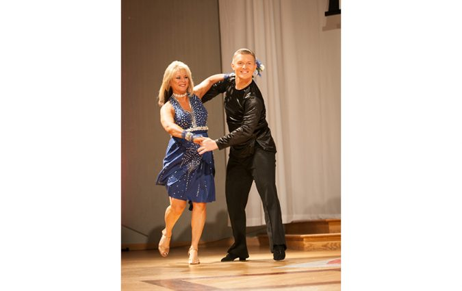 Dancing pair at the Pink Fund Dancing with the Survivors event